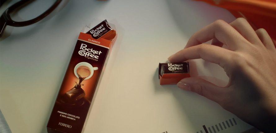 Pocket Coffee – Caricati di piacere #7giornisu7